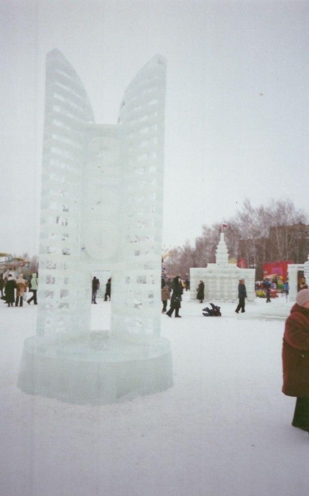 Ледяной монумент