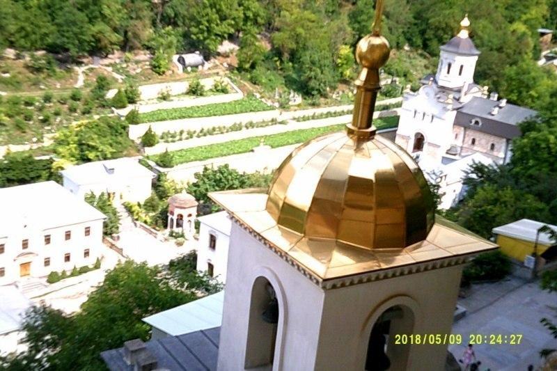 Свято-Успенский монастырь сверху