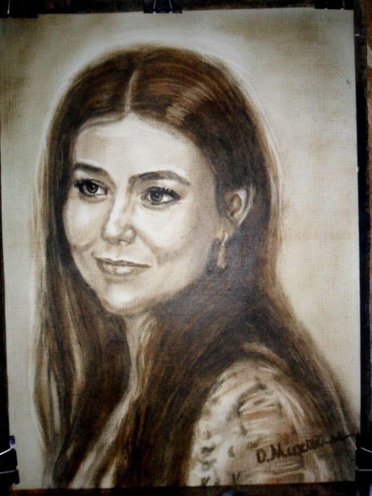 Женский портрет ручной работы сепия