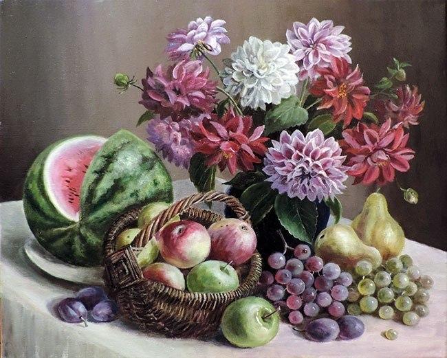 Натюрморт с фруктами  и георгинами