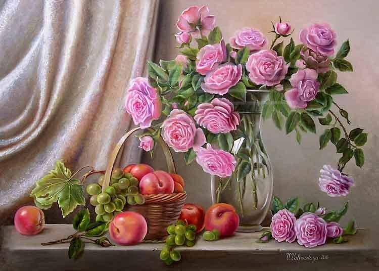 Розы, персики и виноград.