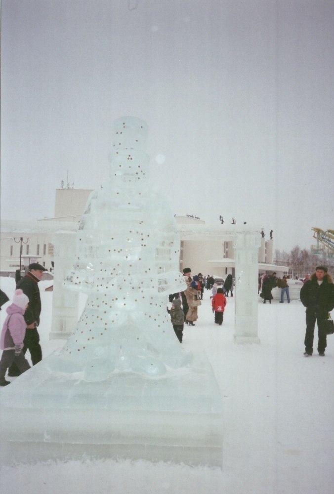 Ледяная статуя