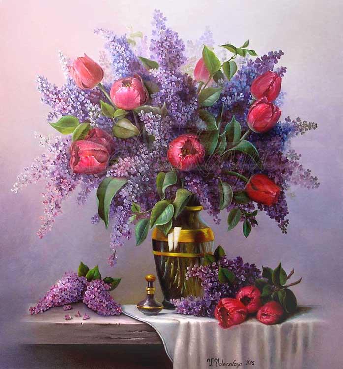 Сирень и тюльпаны.