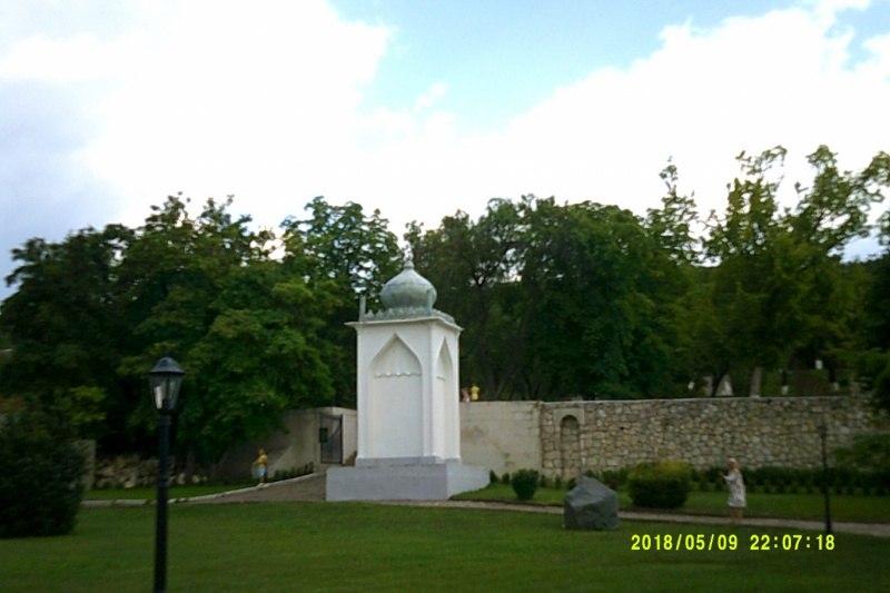 На территории Ханского дворца