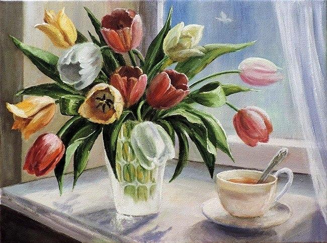 Тюльпаны на окне