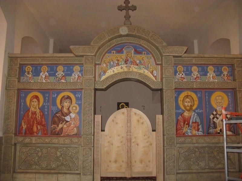Иконостас в честь Влахернской иконы Божией Матери