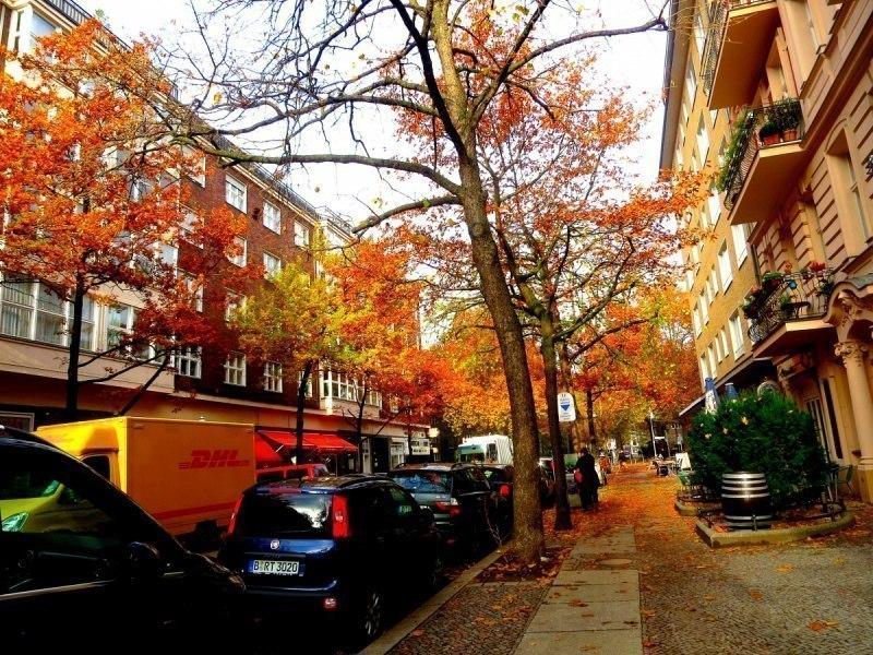 Улица в Западном Берлине.