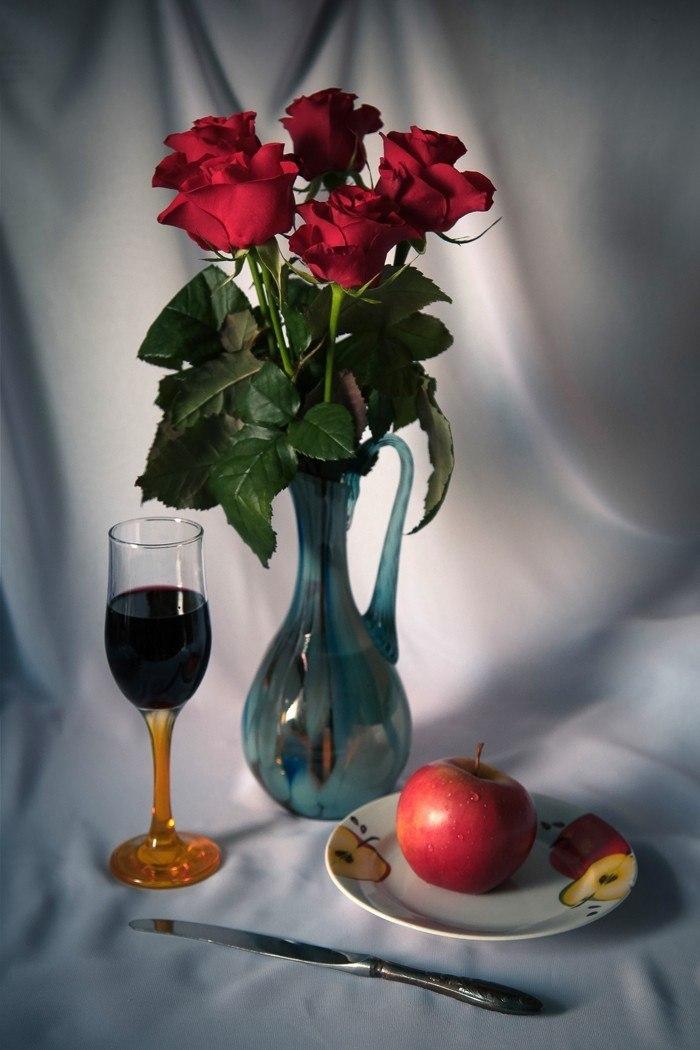 Натюрморт с красным вином.