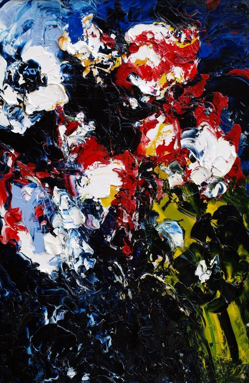 Красные,чёрные,белые розы.