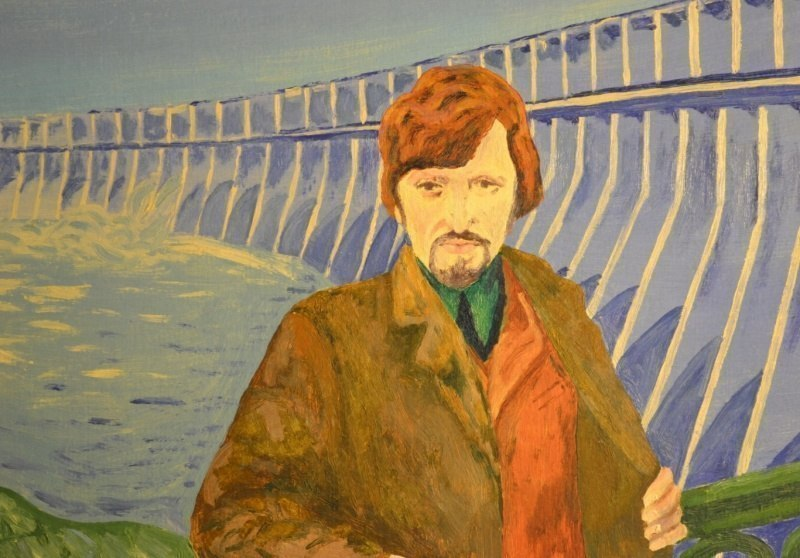 Автопортрет на фоне Днепрогэс