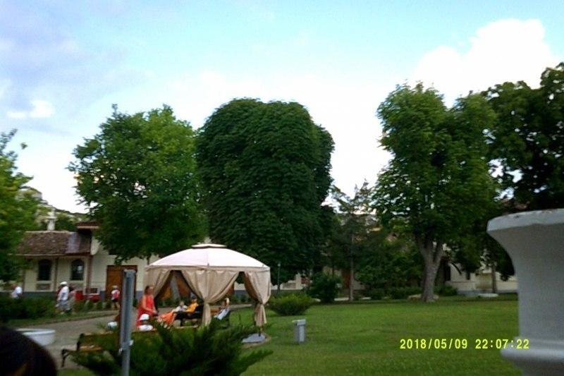 В саду Ханского дворца