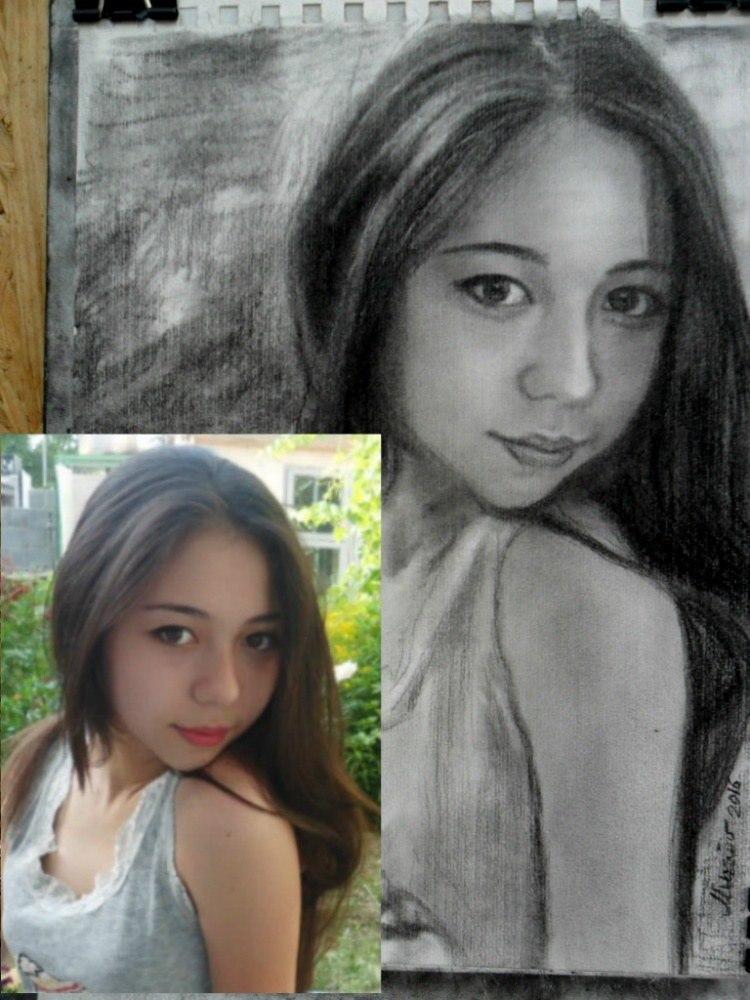 Портрет по фото девушки карандашом